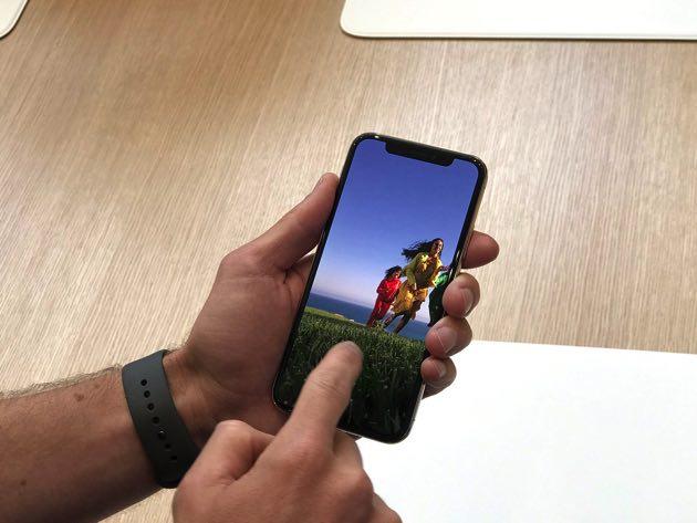 iPhoneXはブラック・シルバー・ゴールドの3色で64GB/256GB/512GBの3容量?