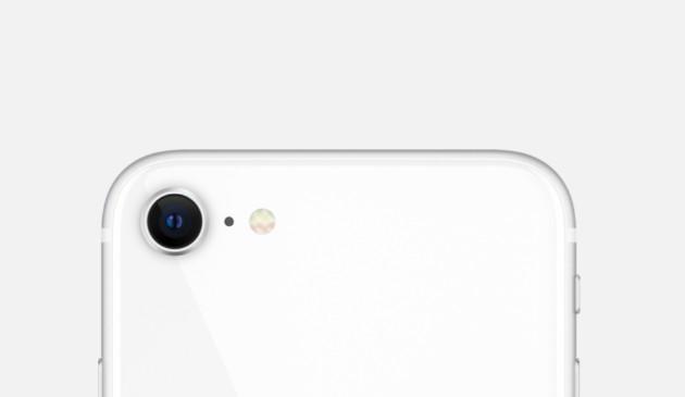 Appleが200ドルから300ドルの超廉価版iPhoneを2021年に投入するという噂は実現するか?