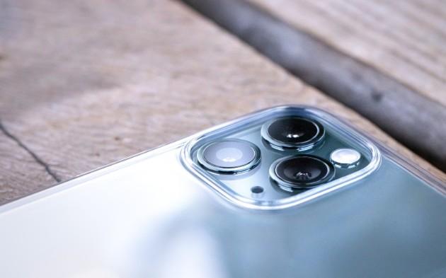 2021年iPhone13には「Y-OCTA」が採用され4モデル構成になるとRoss Young氏